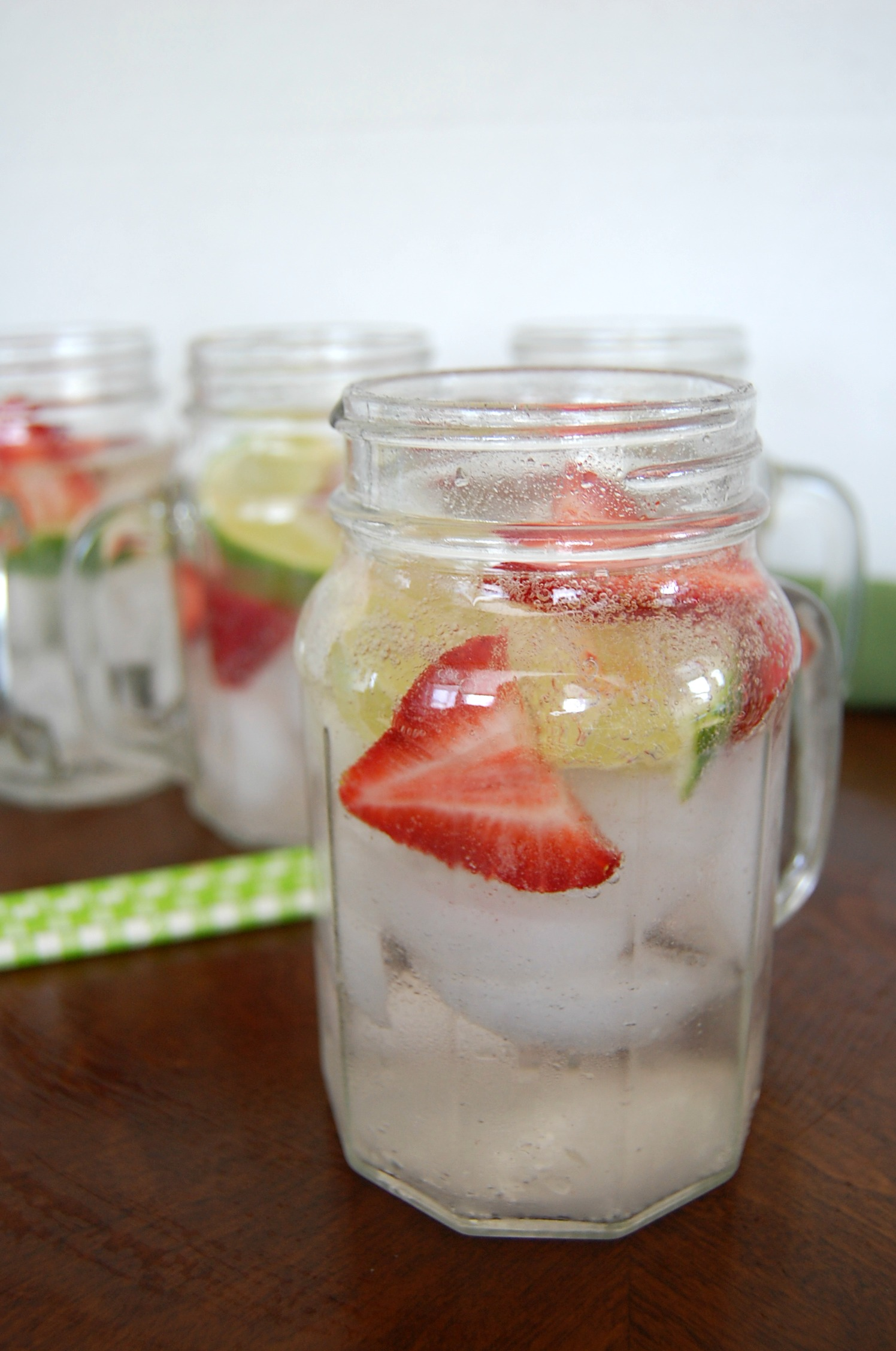 Strawberry Lime Boozy Cooler 1