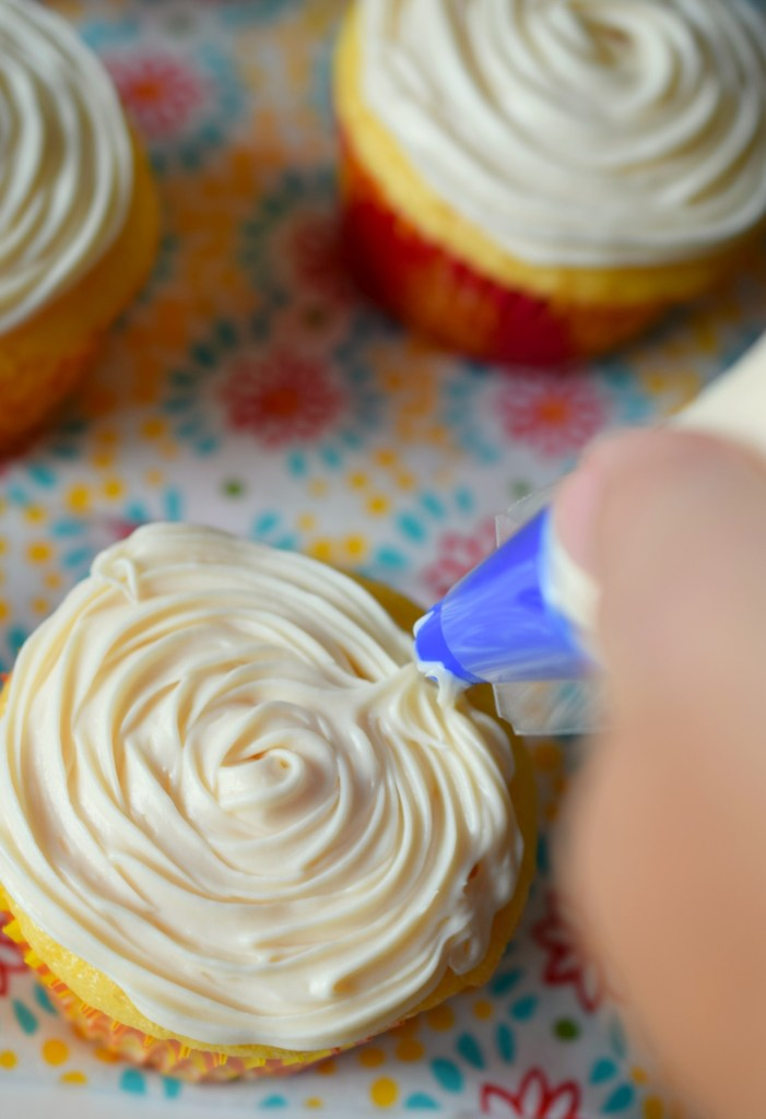 We've all been there, you've forgotten that you signed up to bring dessert! That's when you need to know my secret to Decorating Cupcakes in a Snap!
