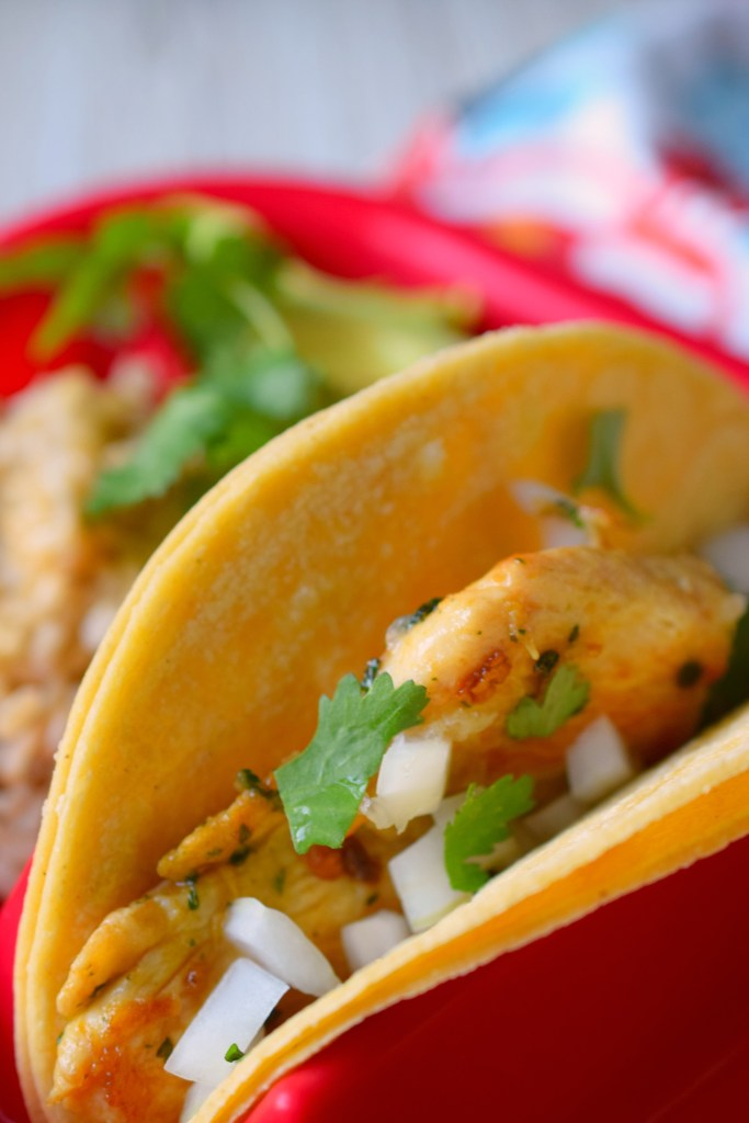 Make a restaurant quality meal at home with Knorr® Chicken Tacos.Easy to make dinner with delicious ingredients. Taco Tuesday is now amazing!