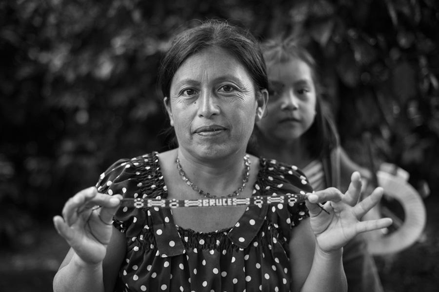 WhonPhoto_Guatemala-bracelet-02