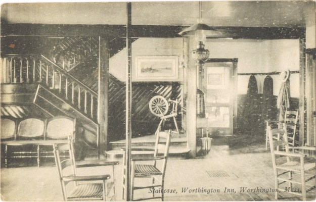 Worthington-Inn-8-staircase-LR