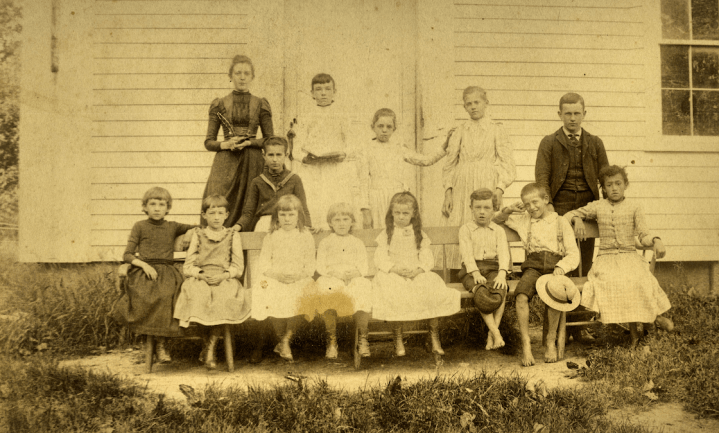 The Lyceum Corners School, 1902, with Jennie and Ruby Huyck among the pupils.