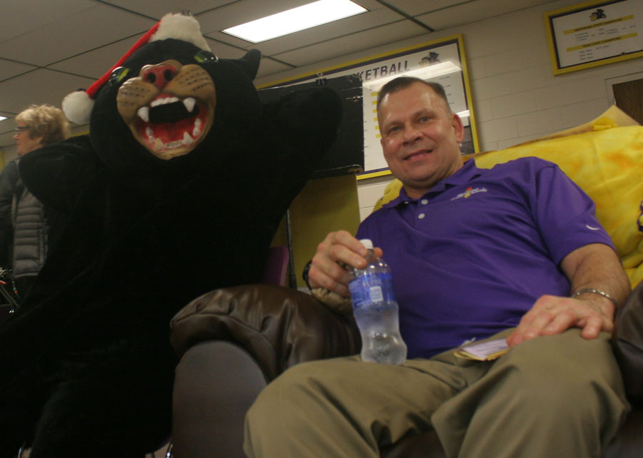 Reclining to raise funds  The Golden Apple Band s fresh approach     Sitting at the    Best Seat in the House     the Panther mascot and Wenatchee