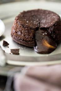 chocolate-lava-cake-photograph