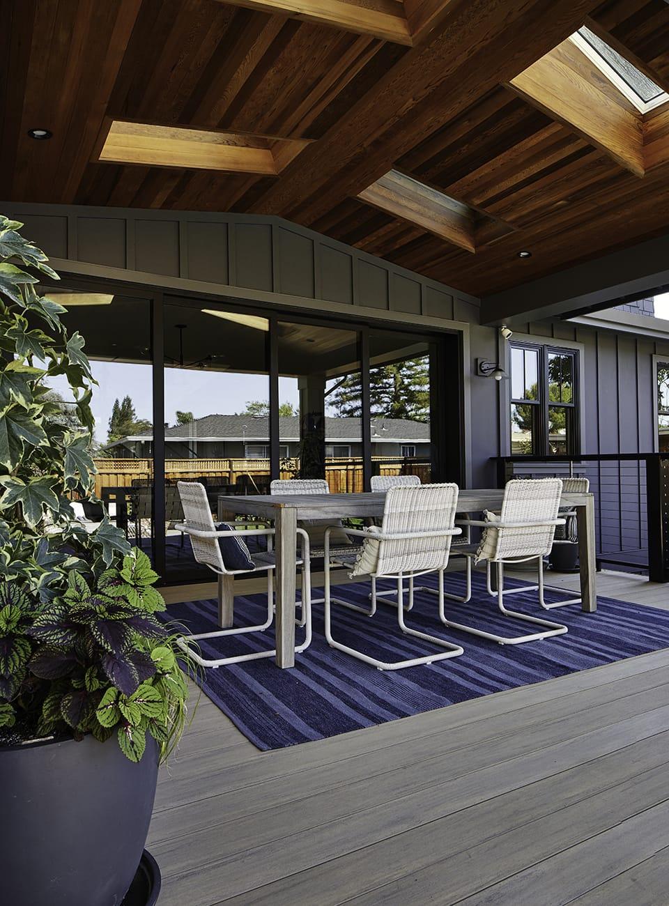 define outdoor living spaces