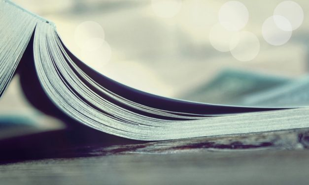 How to Blog Books: 8 Essential Blogging Books Every Blogger Must Read