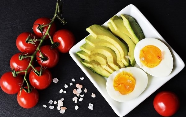 5 Great Keto Diet Recipe Books To Cook Your Way To Health