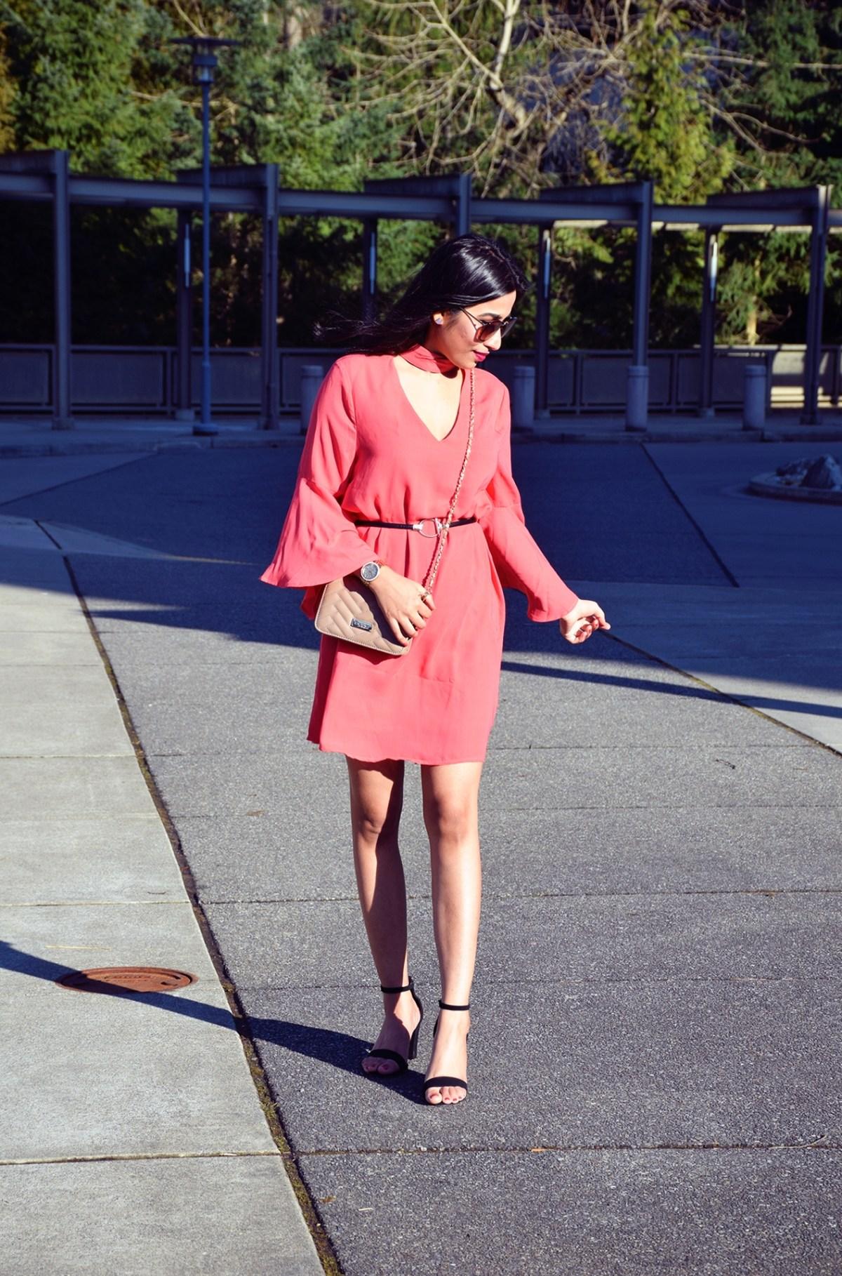 https://www.pinkblushmaternity.com/p-47024-coral-solid-mock-neck-ruffle-sleeve-dress.aspx?DepartmentID=2