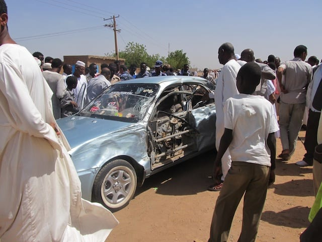 Bus Crash Sudan - Watch out for car accidents while hitchhiking in Africa