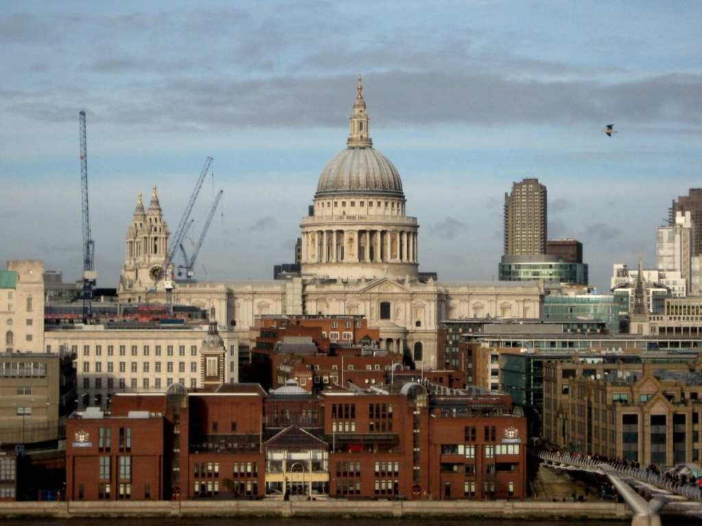 City Views of London - Expat Life Mistake #3: Not Having Enough Money