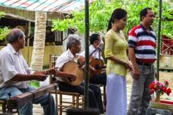 Folklor owoców i muzyki