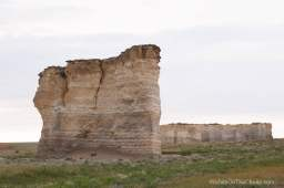 monument rocks chalk pyramids western ks