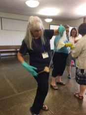 Gail Kliewer wins the spindle spinning competition!