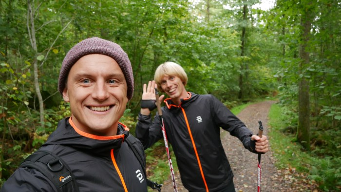 Jojje Borssén och Erik Wickström i Halensbacken för att spela in skidgångsfilmer för Wickström Coaching.