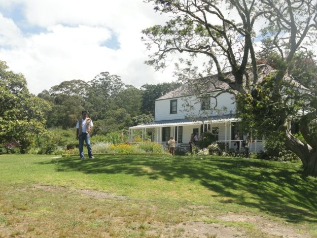 28 Nearby is the Kemp House, the oldest surviving wooden building in NZ