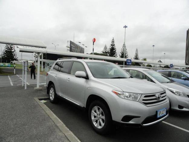 3 There was some confusion about the vehicle we'd hired over the internet, but we were ultimately quite satisfied with the Highlander we received - thank you Thrifty
