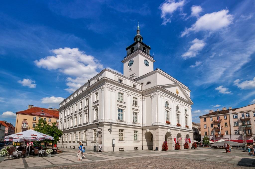 Ratusz i rynek w Kaliszu