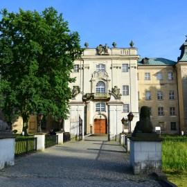Zamek w Rydzynie - brama od strony ogrodu