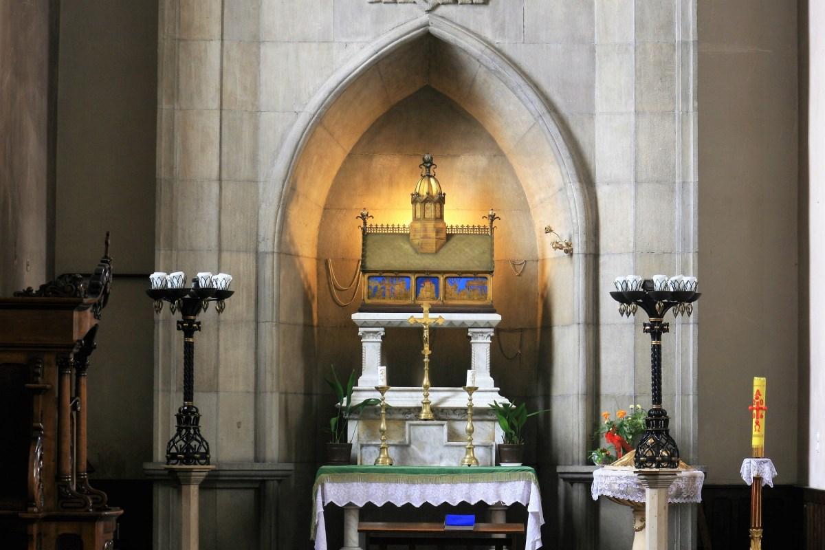 Ołtarz z sarkofagiem błogosławionej Jolenty
