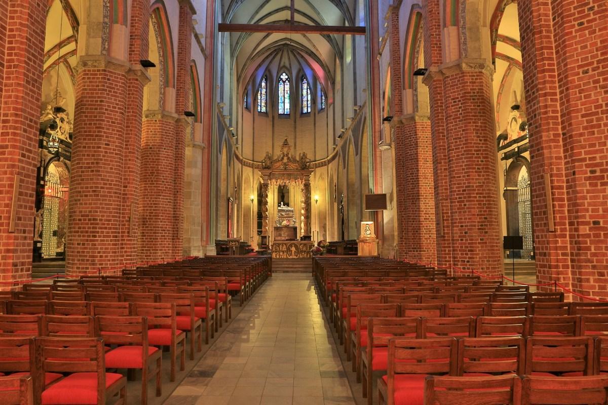 Wnętrze katedry w Gnieźnie