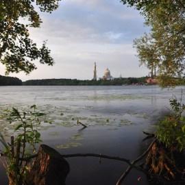 Panorama jeziora licheńskiego