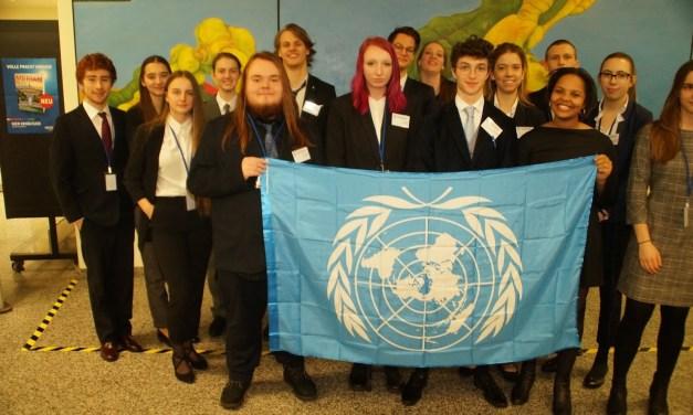 Abendgymnasium bei der Modell-UNO