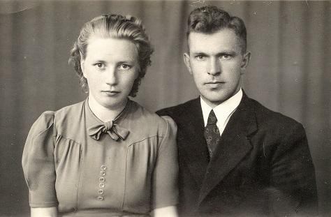 Catrinus Douma en Emmy Vellinga, verlovingsfoto in 1943