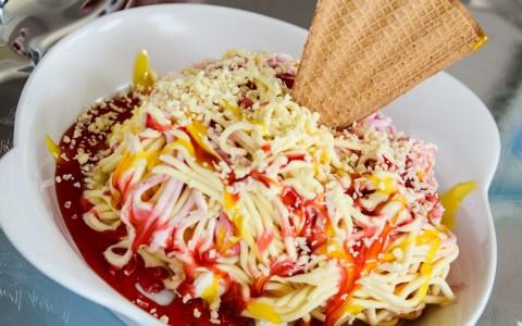 Spaghetti-Eis beim Italiener. Bild: Volker Warttschounek
