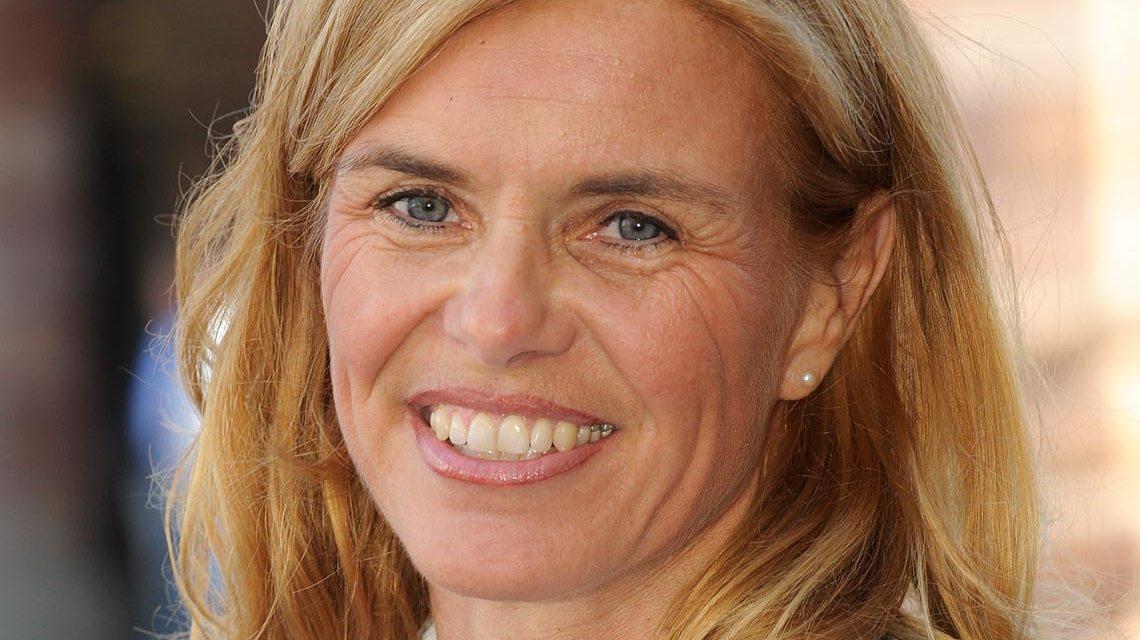 Baudezernentin Sigrid Möricke vor dem Wiesbadener Rathaus. Foto: SPD-Rathausfraktuion