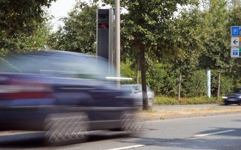 Blitzmarathon: Geschwindigkeitsmessung innerorts, Naurod. Bild: Dirk Vorderstraße