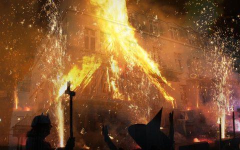 Zuerst waren Karneval und Fastnacht, dann kam Halloween hinzu und jetzt: Hexen haben ausgang. Bild: Volker Watschounek