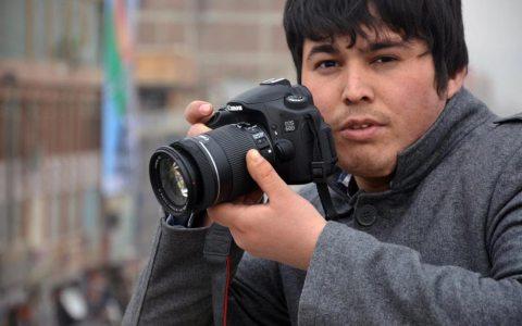 UBS zeigt Fotografien des afghanischen Jungkünstlers Yama Rahimi. Bild: Veranstalter