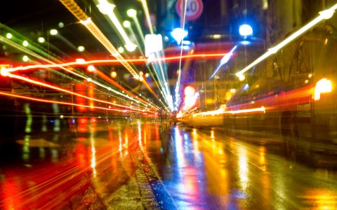 Bild: Eine Stadt in Bewegung. Albrecht E. Arnold / pixelio.de