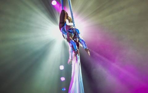 Jamena Wille-Busch besticht durch ihr großes artistisches Können in bezaubernder Harmonie. Bild: Volker Watschounek