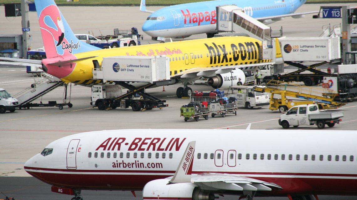 Flugzeuge werden am Frankfurter Flughafen be- und entladen. Bild: Flickr / Malte Hempel