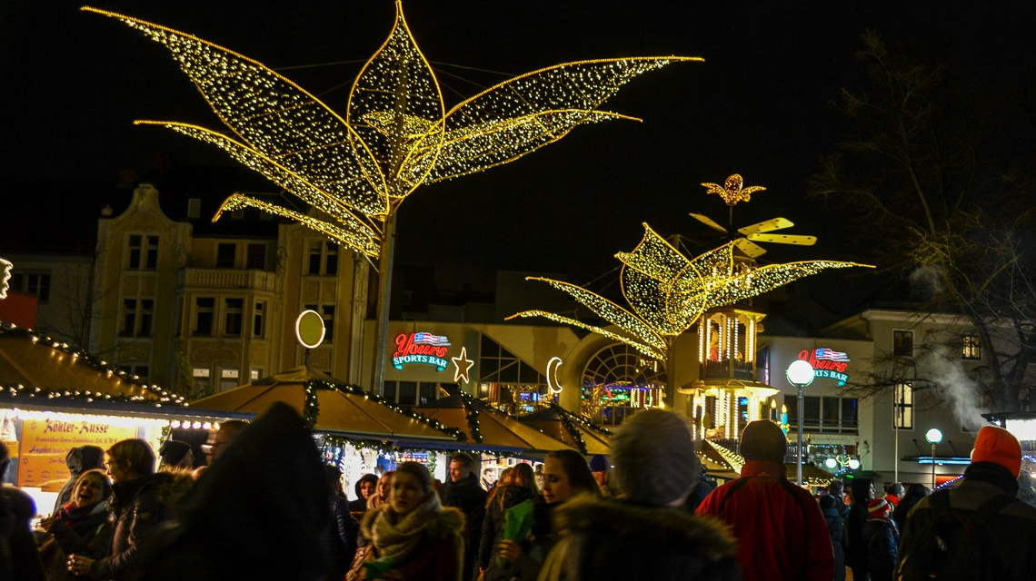 Wiesbaden weihnachtlich: Sternschnuppenmarkt ist eröffnet