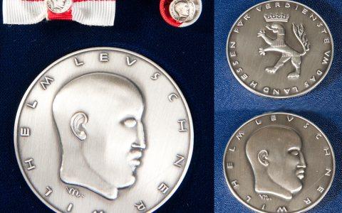 Wilhelm Leuschner Medaillie, höchste Auszeichnung des Landes Hessen. Bild: Staatskanzlei, bearbeitet VWA