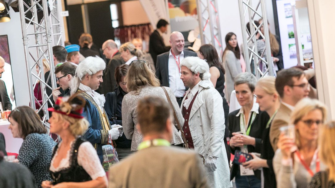Messegetümmel auf der Fachmesse Meetingplace ©2017 Wolf-Bild / Flickr