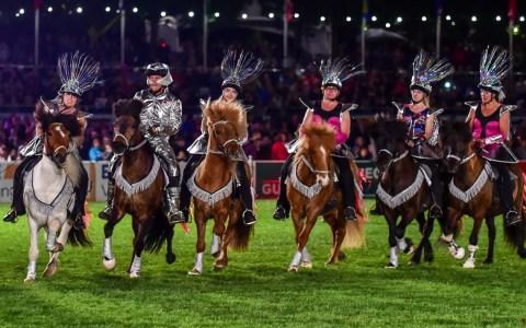 Pferdenacht beim 82. Wiesbadener Pfingstturnier