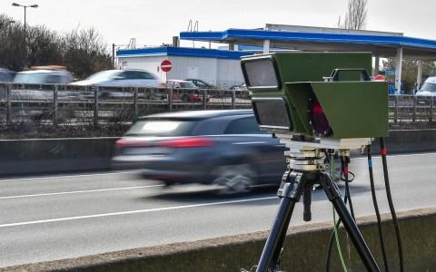Blitzer Symbolfoto: Unangekündigte Geschwindigkeitsmessung der Verkehrspoliozei auf der A66, unmittelbar vor der Ausfahrt Wiesbaden Erbenheim. ©2018 Volker Watschounek