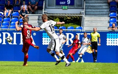 David Blache, hier im Spiel gegen den FC Carl Zeis Jena in die 3. Liga. ©2018 Volker watschounek