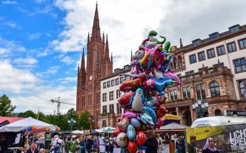 Schlossplatzfest in Wiesbaden, Tage der Begegnung. ©2018 Volker Watschounek