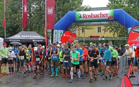 Wiesbaden Platte, Start des TrailRun im vergangenem Jahr, 2017. Das Wetter deutlich Schlechter als zu erwarten. ©2018 Veranstalter