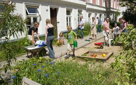 Gartenarbeit ... @2018 Netzwerk Nachbarschaft