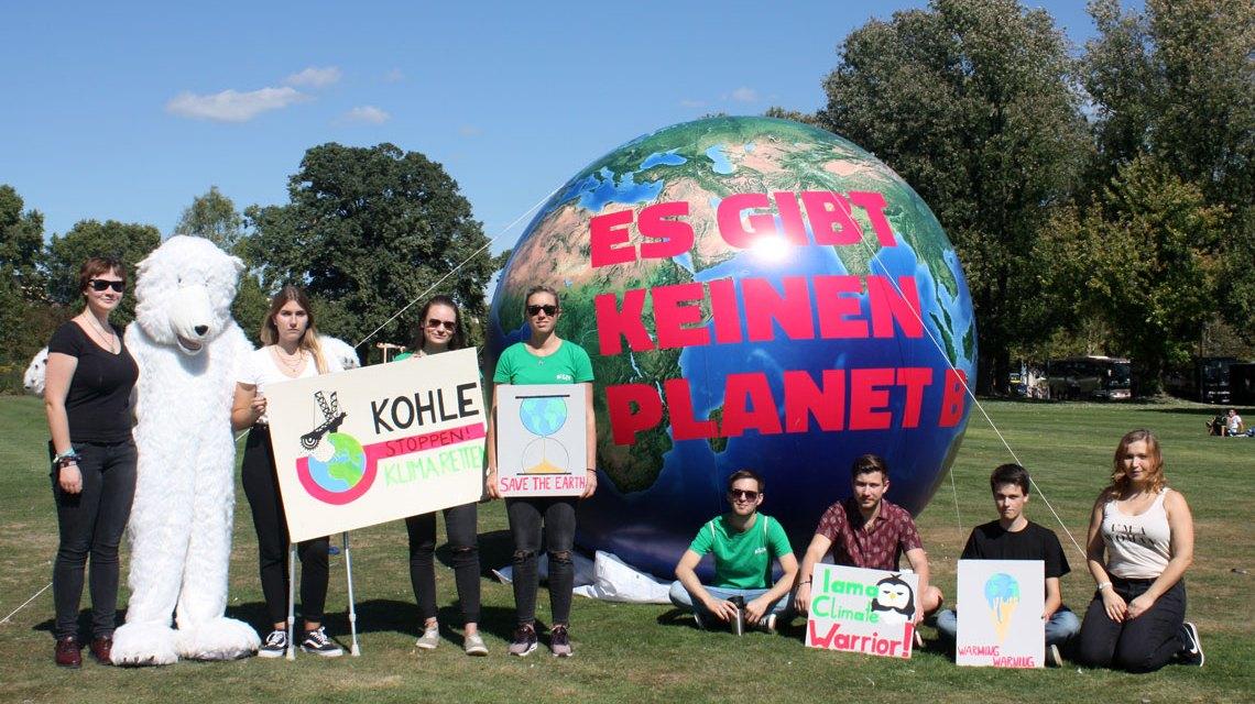 Es gibt keinen Planeten B. ©2018 Die Grünen Wiesbaden