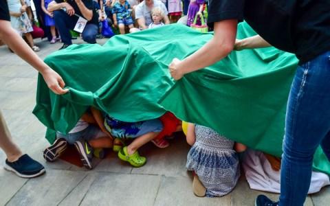 Archivbild: Die KitA Wölfert der AWO feiert ihr Frühlingsfest. Kinderbetreuung