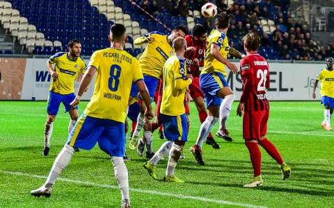 3. Liga | 2018.2019 | 13. Spieltag | SV Wehen Wiesbaden - Carl Zeiss Jena | 2:3 ©2018 Volker Watschounek