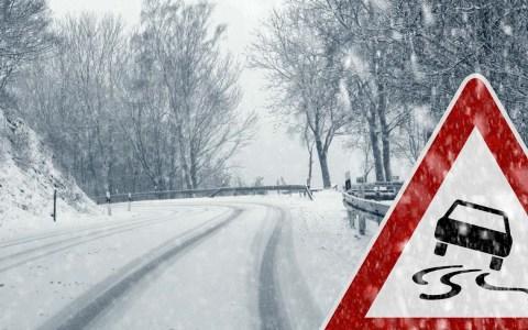 Schnee, Glätte und Dunkelheit sind die Stressfaktoren beim winterlichen Autofahren. ©2019 WetterOnline