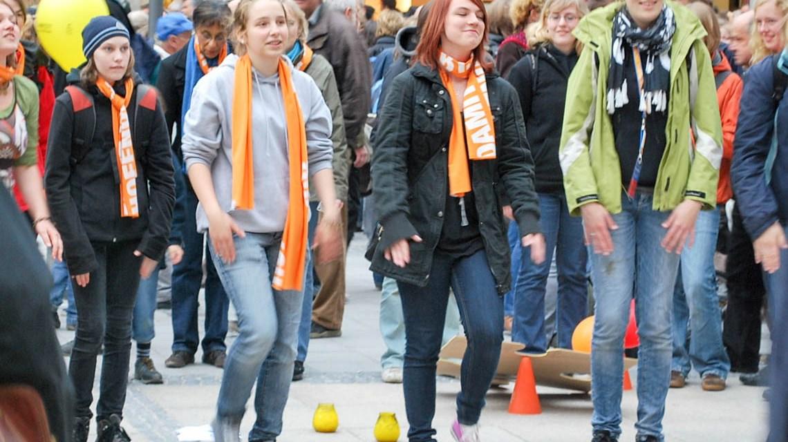 """Bildung schafft Zukunft"""" zum Wohlbefinden von Jugendlichen ©2019 Presse.Nordelbien   Flickr!   CC BY 2.0"""