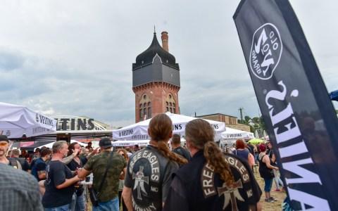 Der Black Devil Motorrad Club feiert auf dem Gelände des Schlachthofs seinen 50sten Geburtstag.